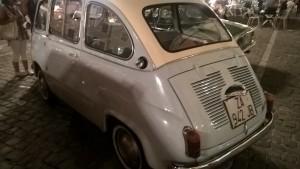 rassemblement voitures anciennes italie